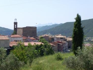 Poble Vell de Súria con Montserrat al fondo